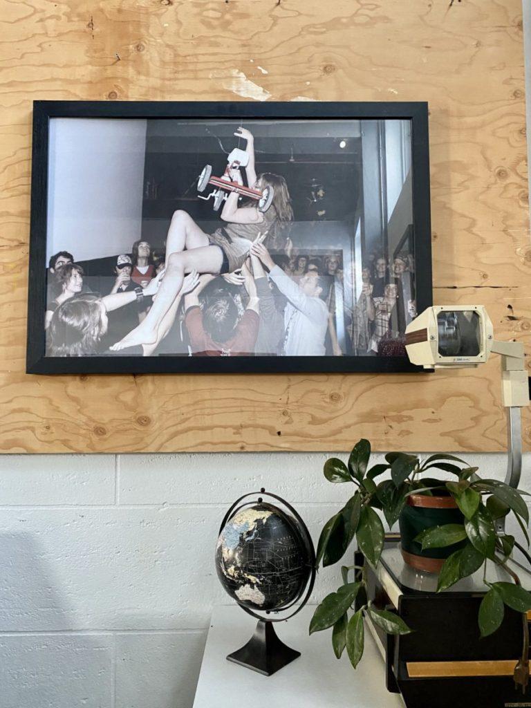 Photo de Duchess Says dans les bureaux du FME